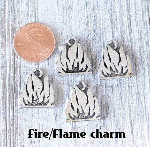 12 pc Campfire charm, fire charm, camping, campfire. Alloy charm, very high quality.Perfect for jewery making and other DIY projects