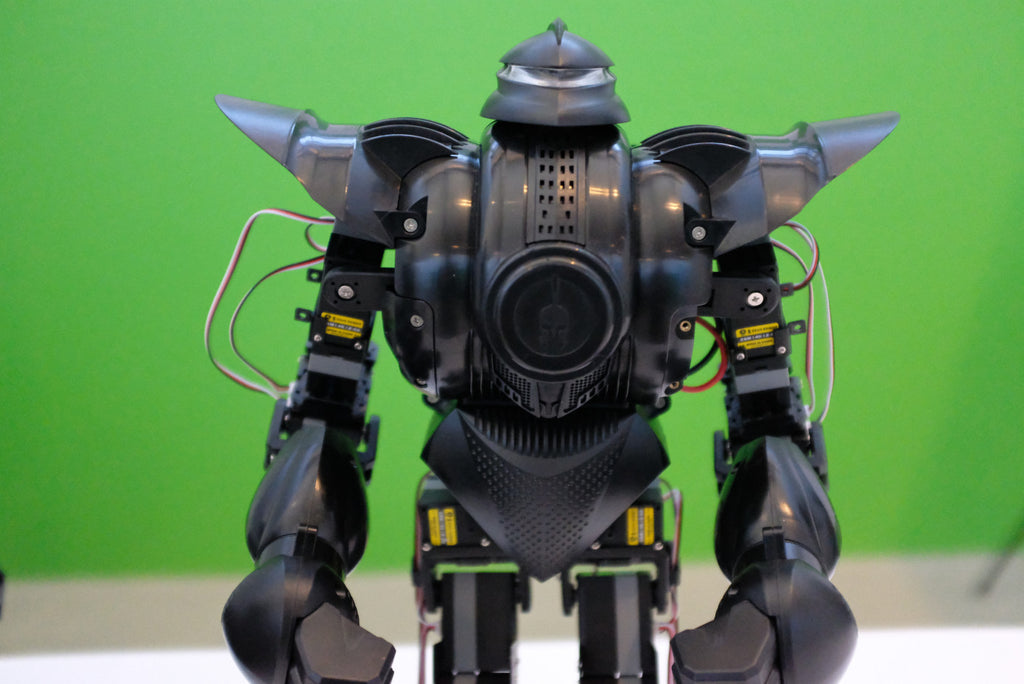 TechCrunch:This $1,600 fighting robot toy kicks serious butt
