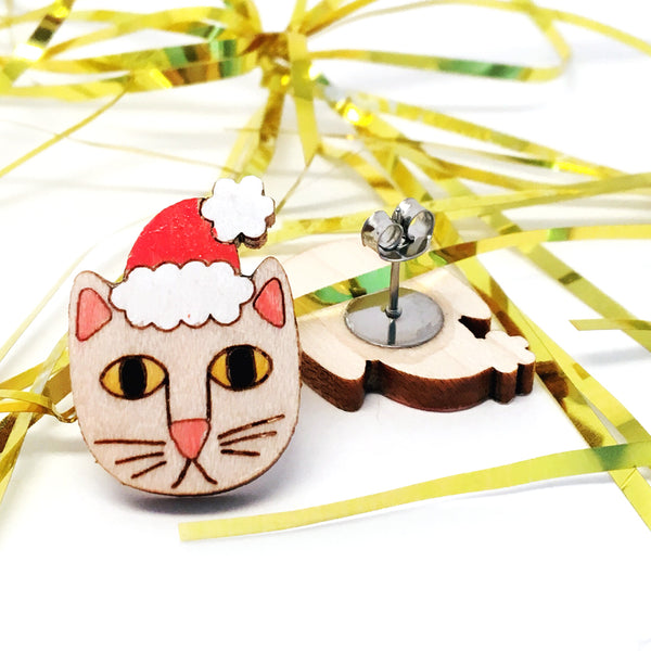 Santa Paws Stud Earring · Natural