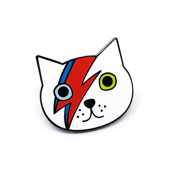 Ziggy Cat Pin · White