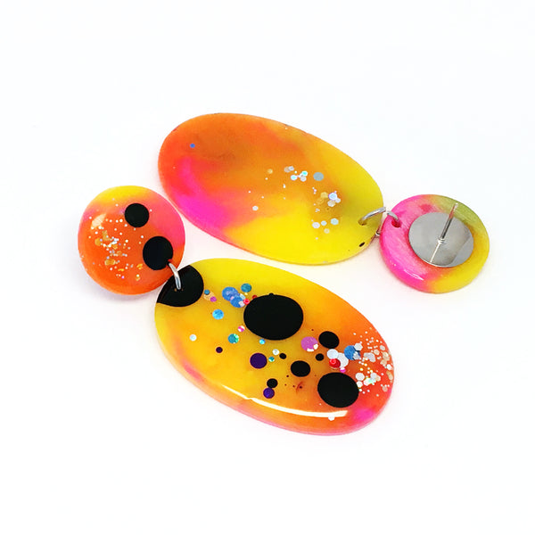 Resin Dangle · Oval · Pink Yellow