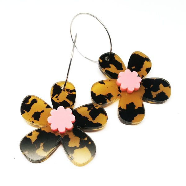 Daisy Hoops · Leopard + Light PInk