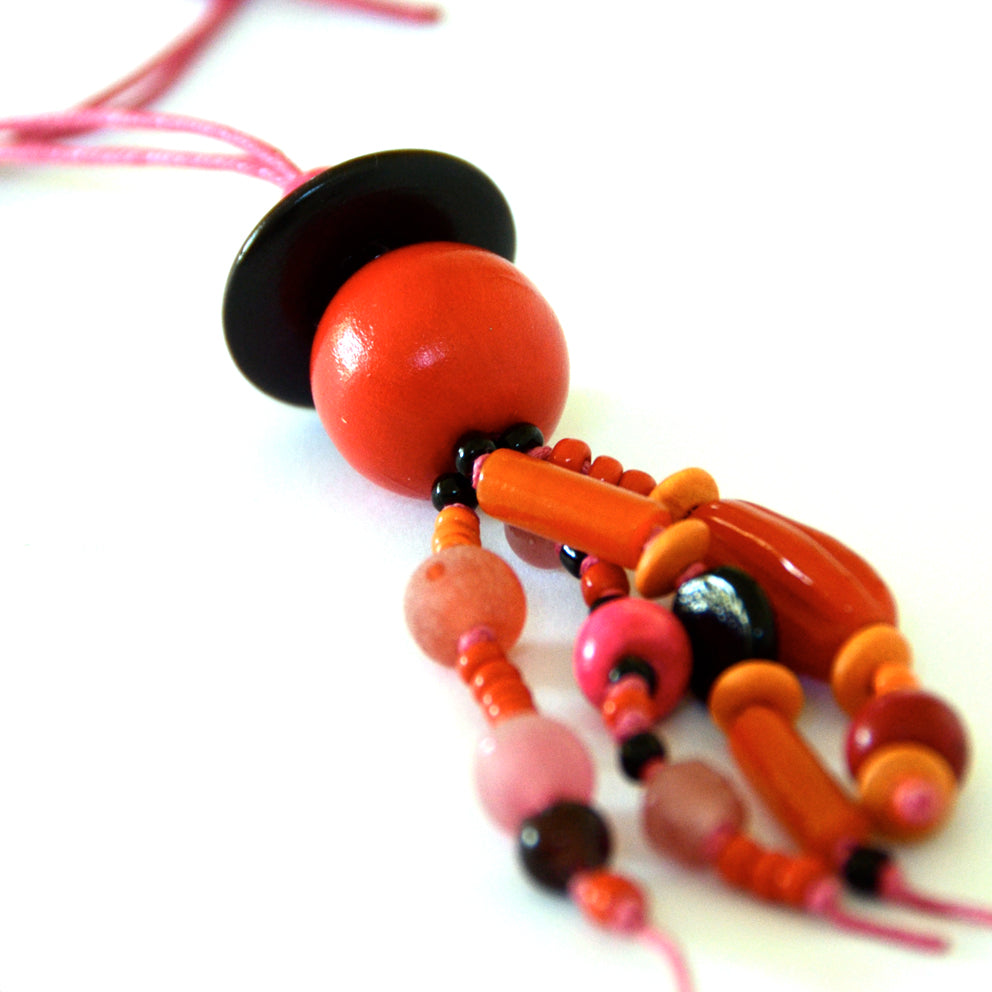 Bohemian Bead Necklace · Red Pink