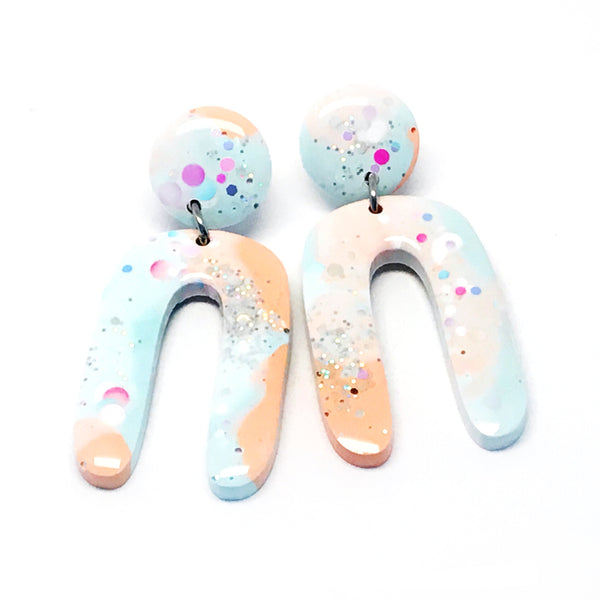 Resin Dangle · Jeanie · Light Blue Apricot