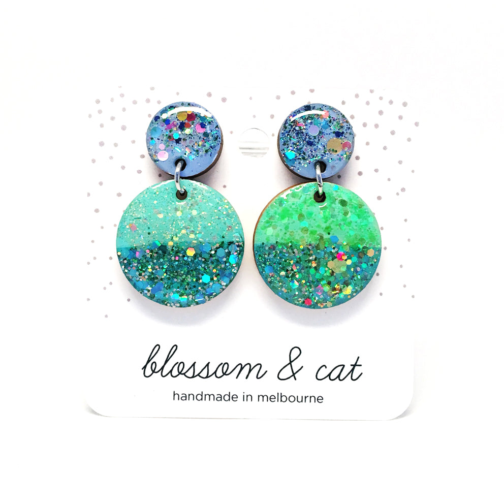 Mini Circle Mismatched Dangles · Mix 15