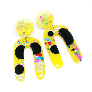 Resin Dangle · Jeanie · Yellow