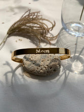 Pulsera personalizable calada MOM
