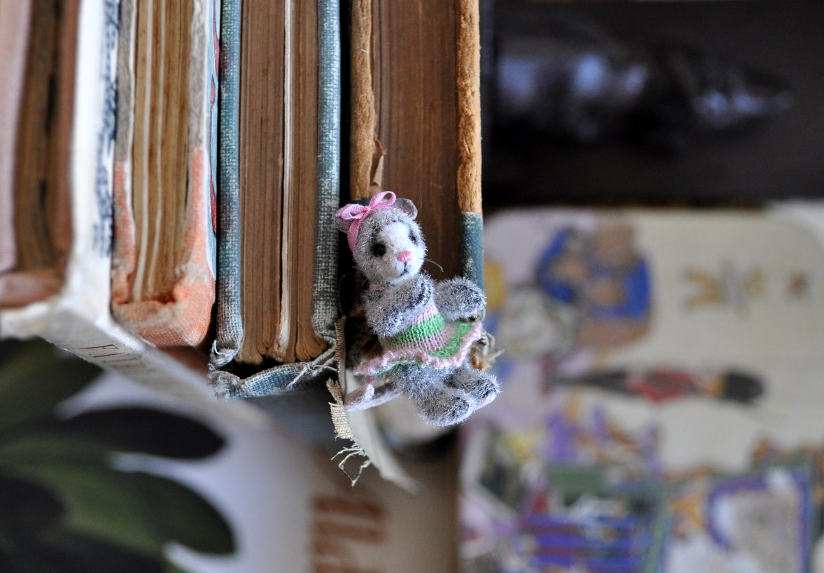 Fully Jointed Dressed Mouse by Anna Braun