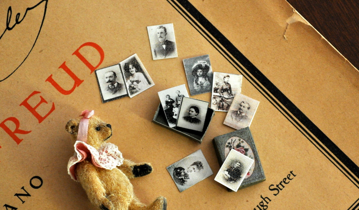 Keepsake Box with Ten Photographs