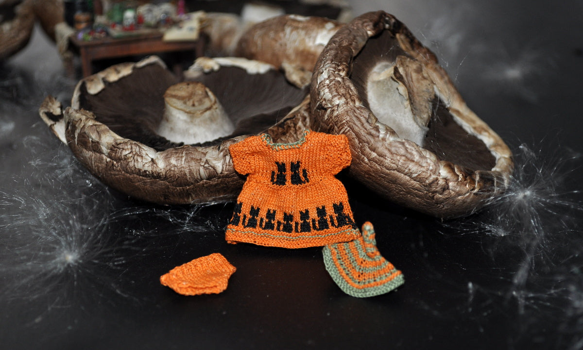 Tiny Halloween Dress Set by Jenny Tomkins
