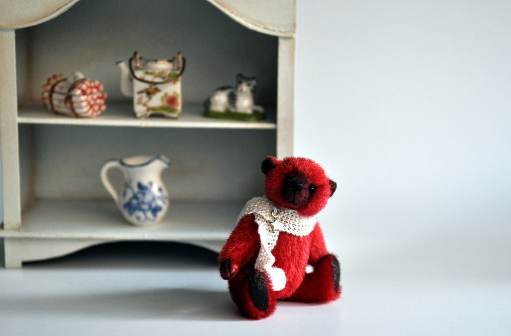 Holly the Christmas Teddy by Anna Braun