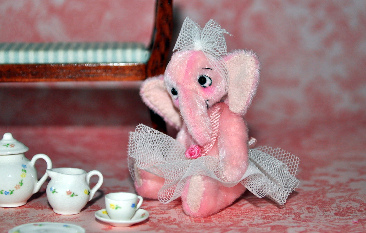 A Pink Romance - Fully Jointed Ballet Girl Elephant Anna Braun