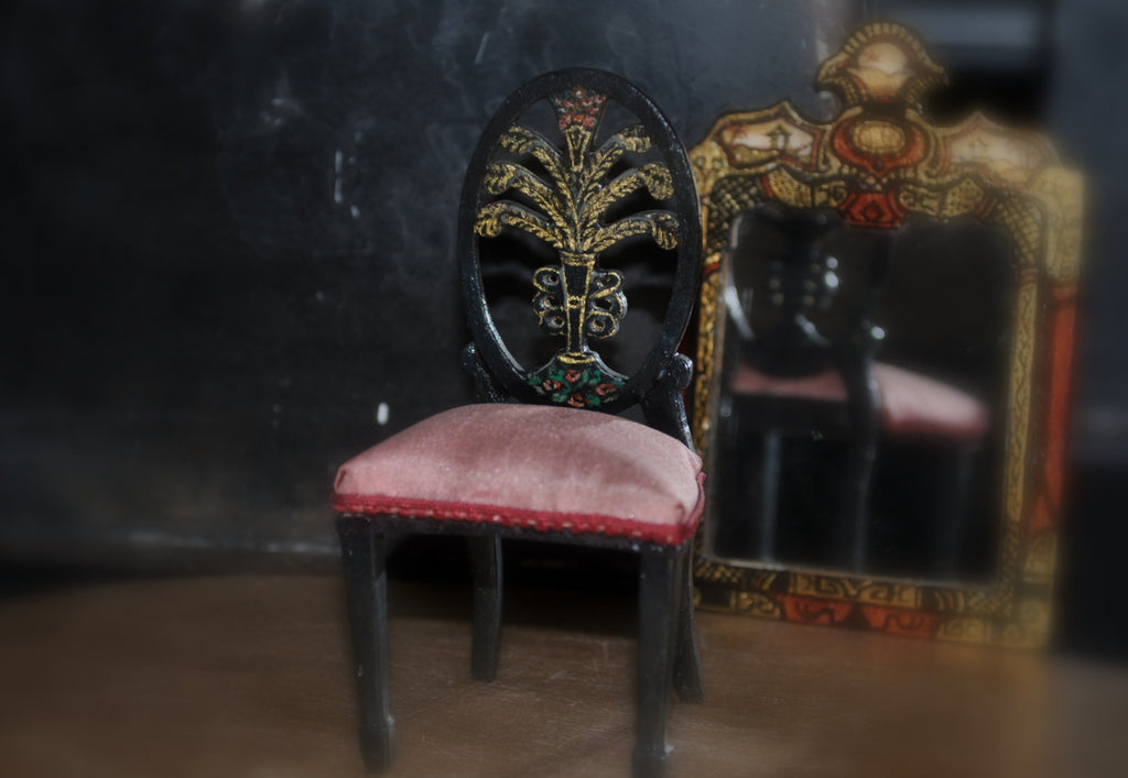 ESTATE TREASURE: Hand-painted Chinese Occasional Chair