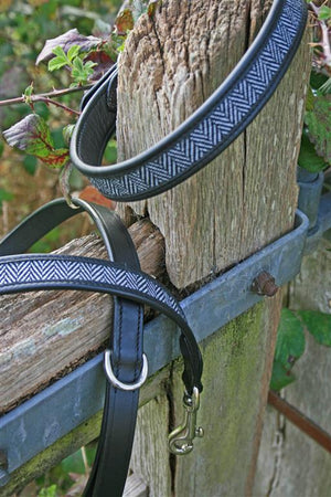 herringbone leather dog lead black