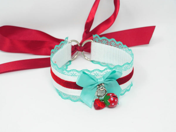 Summer Strawberry Lace Collar