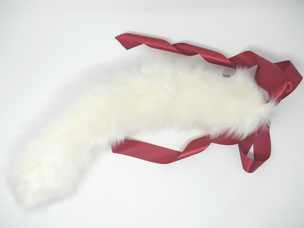 White Kitten Play Tail