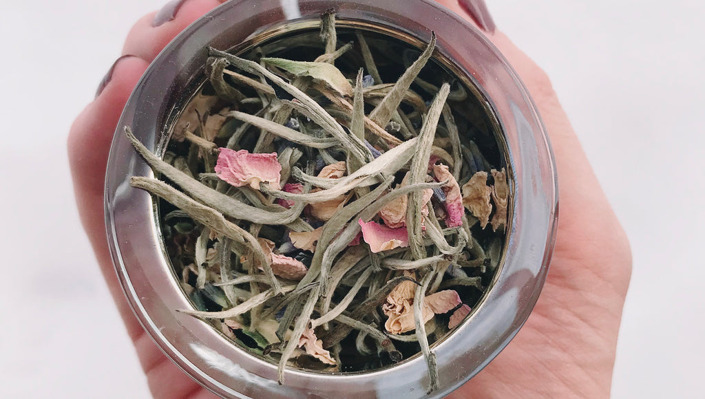 Organic silver needle tea, blended with lavender, pear, rose and vanilla. The perfect spring tea