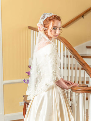 Timeless Wedding Veils chantilly and alencon lace mantilla