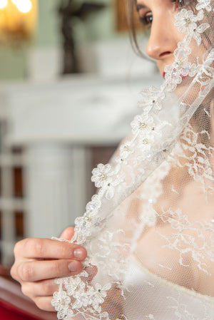 Timeless Wedding Veils Natalie alencon and chantilly lace knee length mantilla detail
