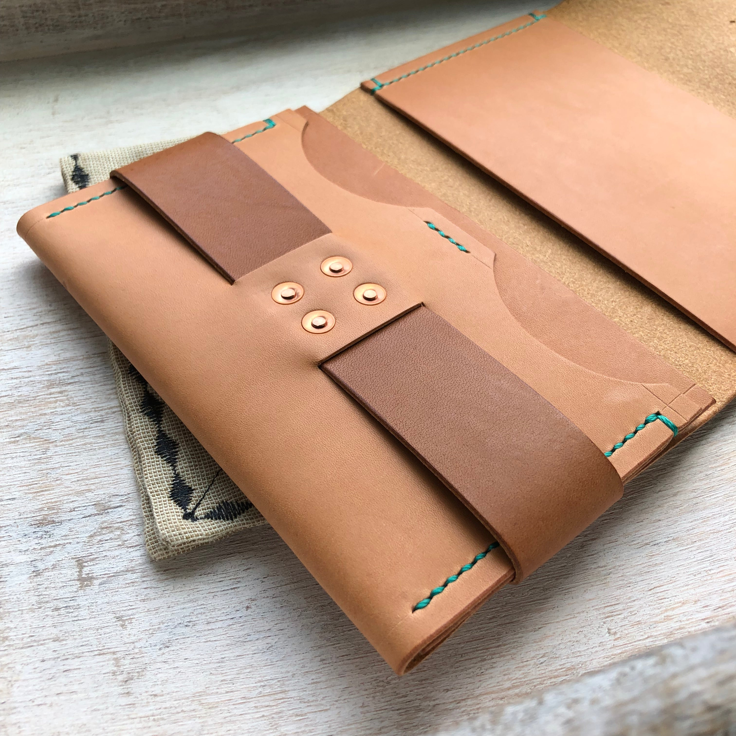 The Drifter Field Notes Cover - Russet & Buck Brown