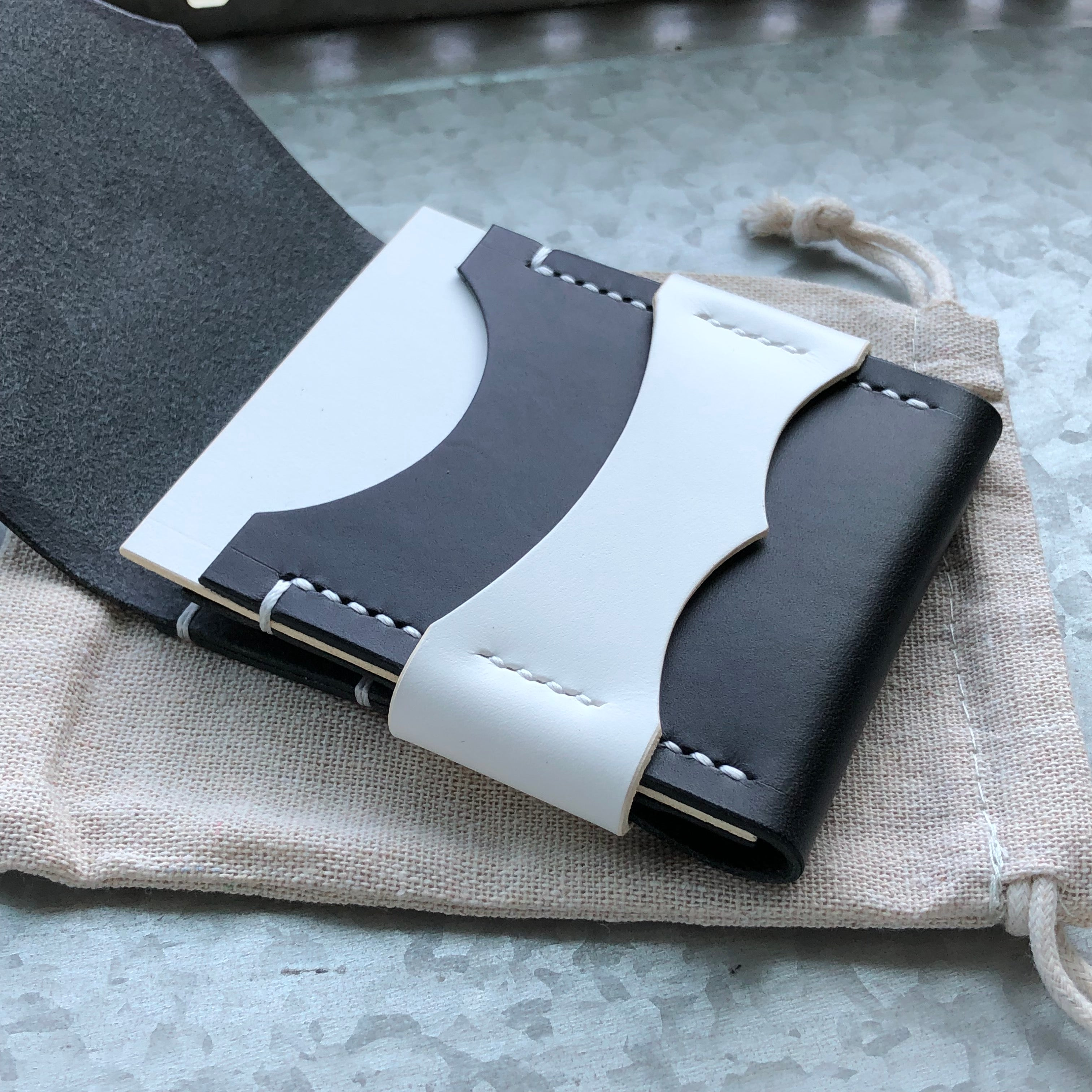 Luxe Minimalist Wallet - Quick Access - Tuxedo - Black and White