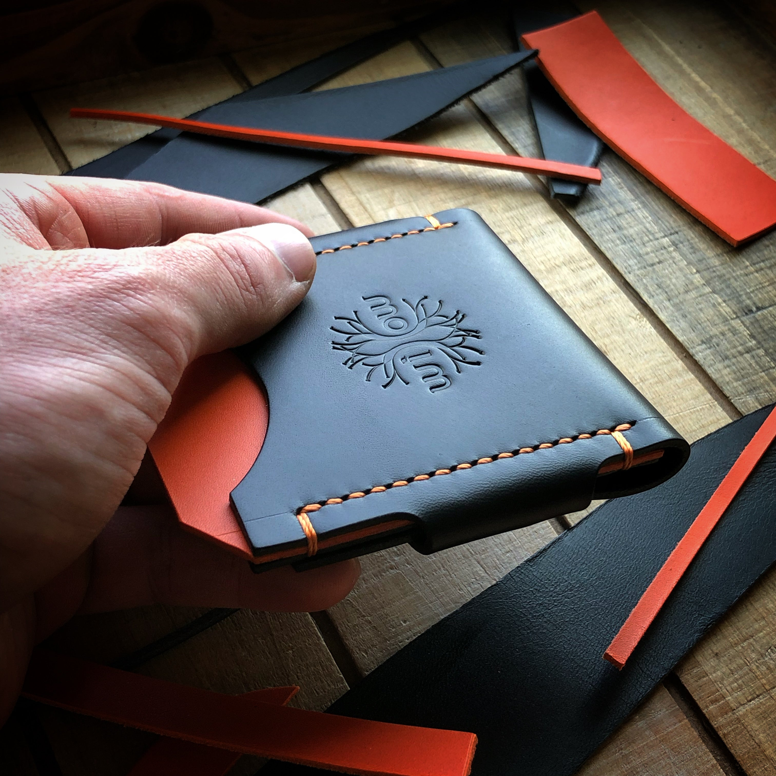Velox Minimalist Wallet - Black and Orange