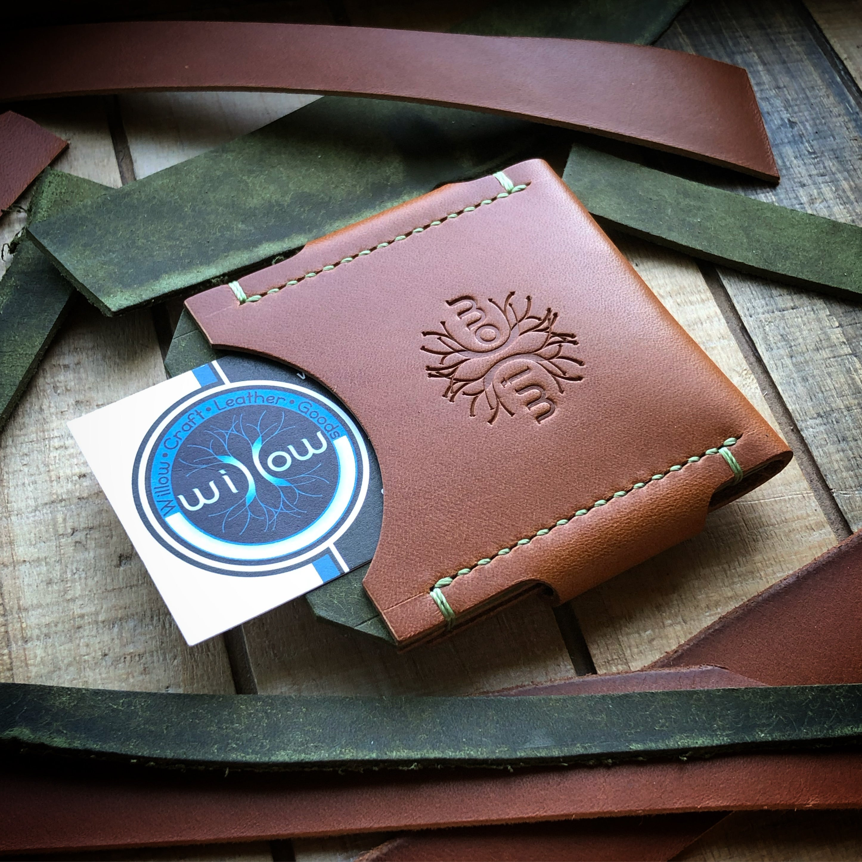Velox Minimalist Wallet - Bourbon and Olive