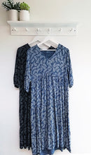 Load image into Gallery viewer, Heather Paisley Print Tiered Dress