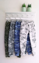 Load image into Gallery viewer, Alina Camouflage Magic Trousers