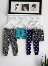 Load image into Gallery viewer, Fred & Noah Grey Leopard Leggings