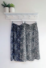Load image into Gallery viewer, Santa Leopard Print Mid Skirt
