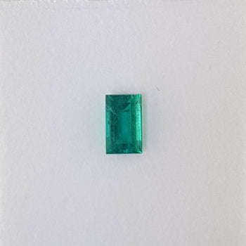 0.89ct Baguette Cut Emerald 7.2x4.5mm