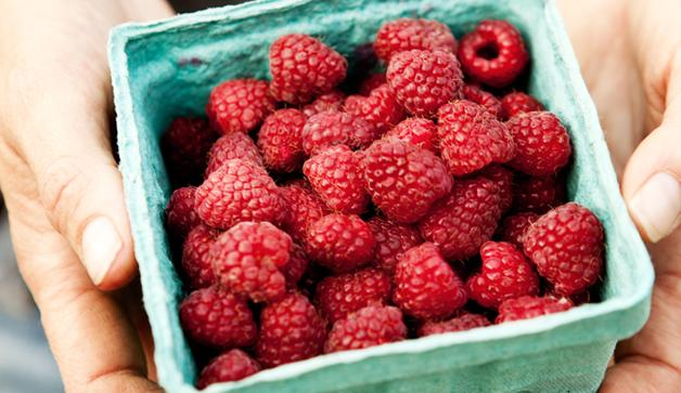 14 Fruits And Veggies To Always Buy Organic