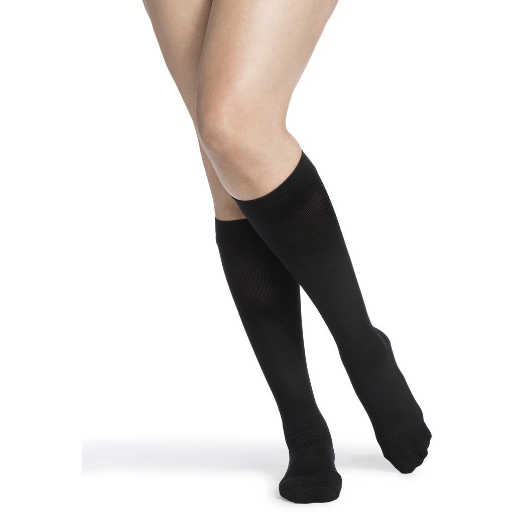 Sigvaris Women's Comfort Knee High C/T, Black