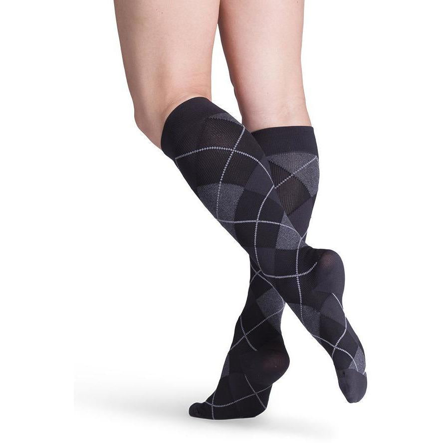 Sigvaris Women's Microfiber Shades Knee High C/T, Onyx Argyle