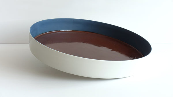 large circular porcelain deep tray