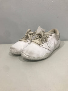 Nike White Size 11 Girl Sneakers/Shoes