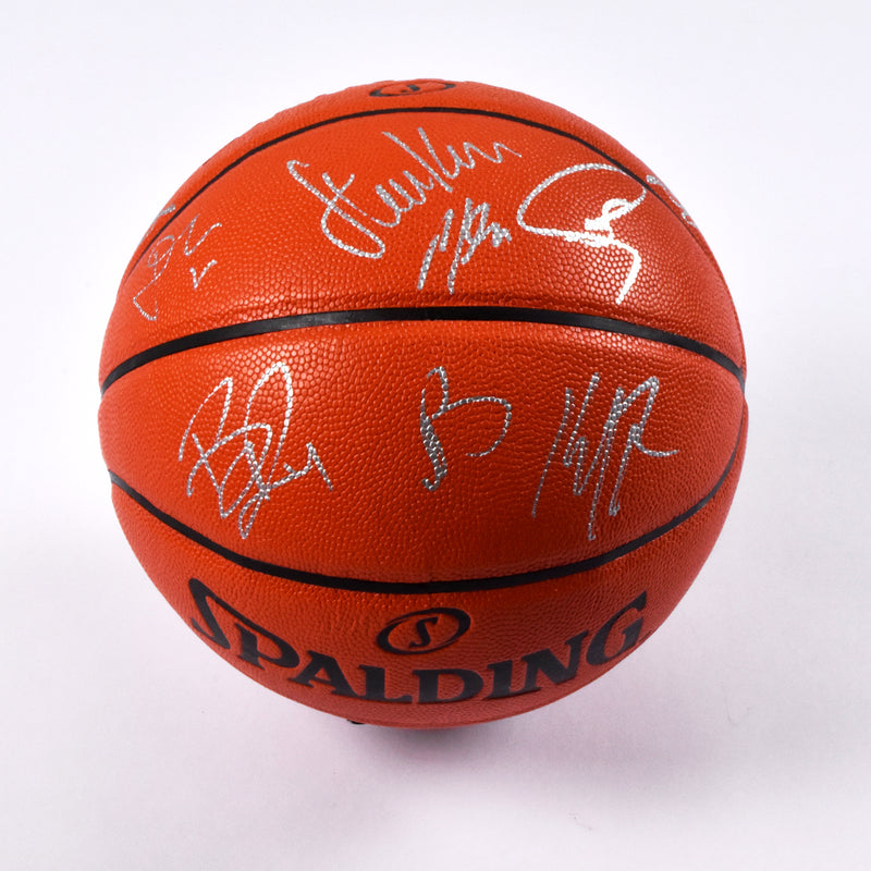 2015 Golden State Warriors Team Signed Spalding Indoor/Outdoor Basketball