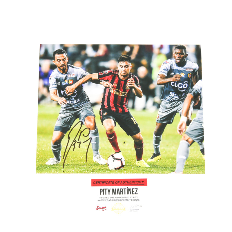 Pity Martinez Signed 8x10 Atlanta United Split defenders