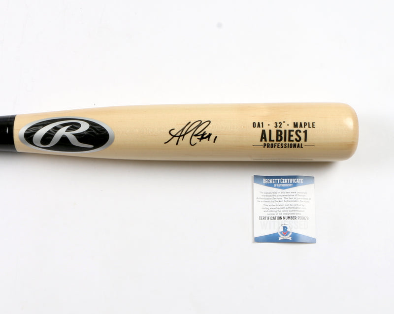 Ozzie Albies Signed Game Model Bat Atlanta Braves (Normal Signature)