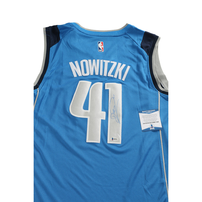Dirk Nowitzki Signed Jersey Dallas Mavericks