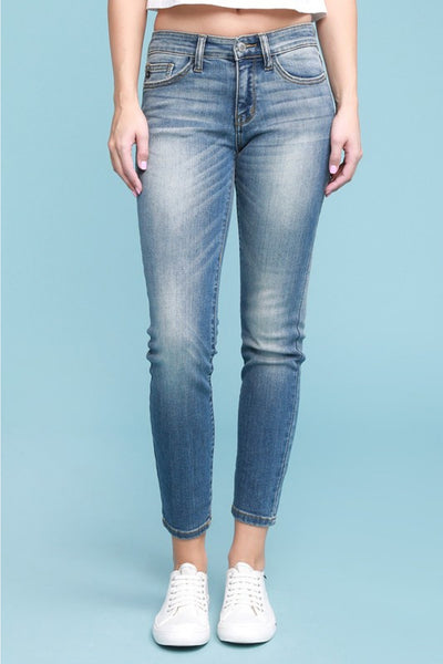 JUDY BLUE - Classic High-Waisted Relaxed Fit Jeans