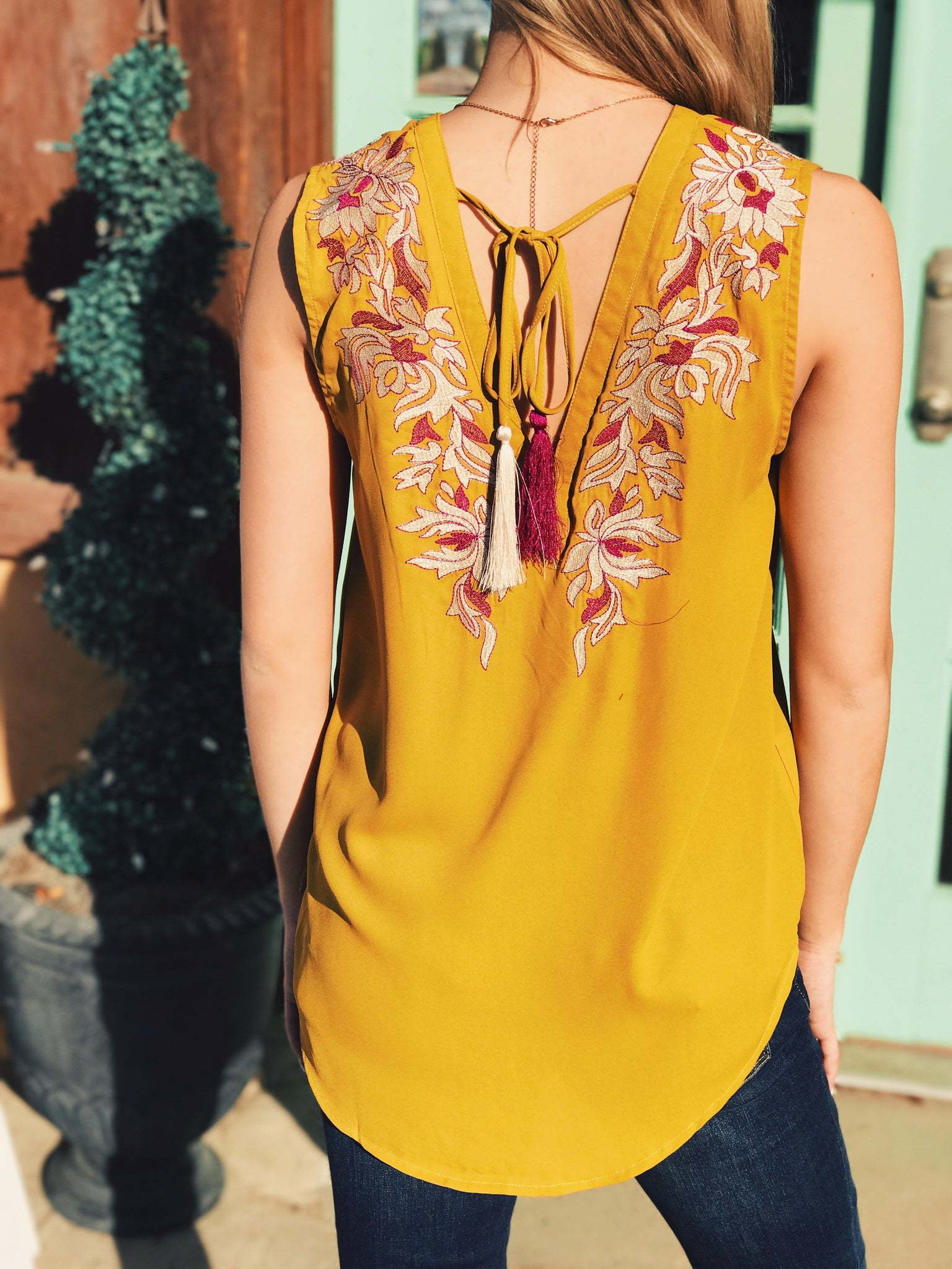 Entro - Embroidered Tassel Tank
