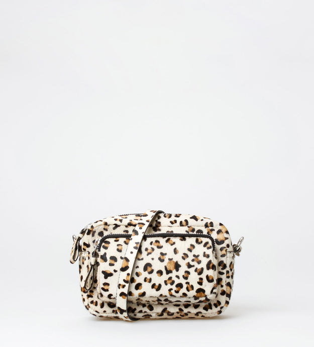 Vera Crossbody w/front pocket small, Zebra