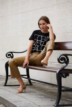 Load image into Gallery viewer, Anneke T-Shirt, black