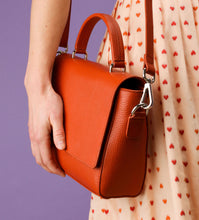 Load image into Gallery viewer, Cecilia Noted Crossbody, peach