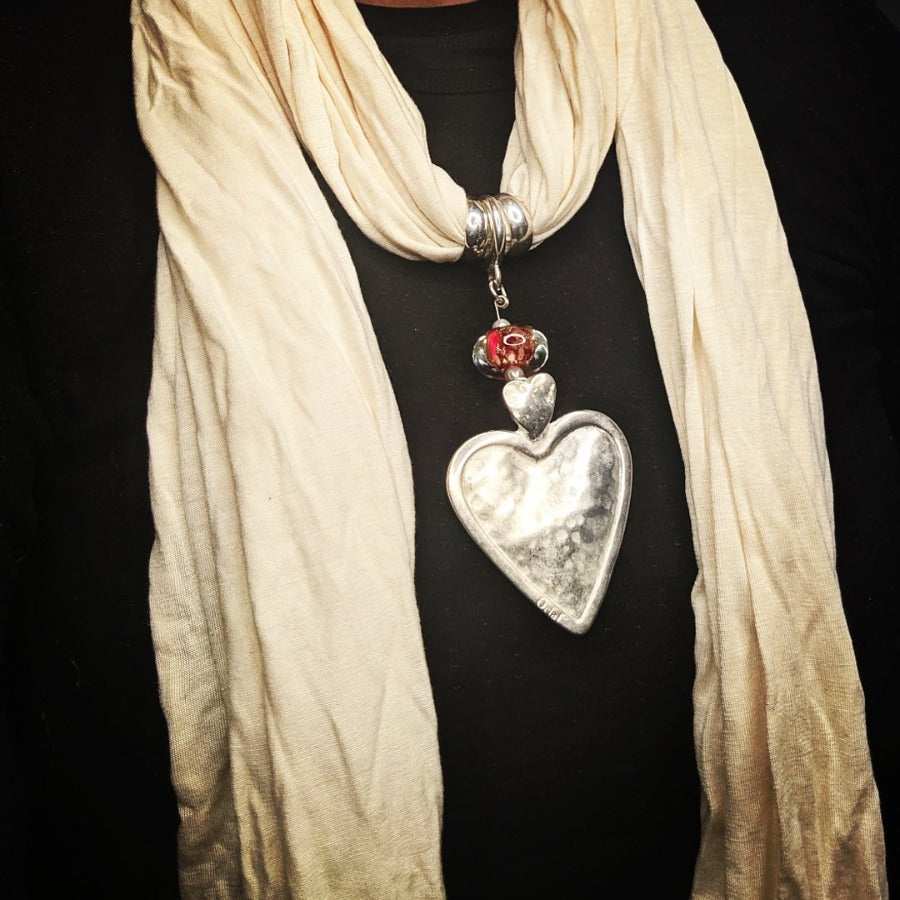 Solid Heart Pendant Off White Scarf