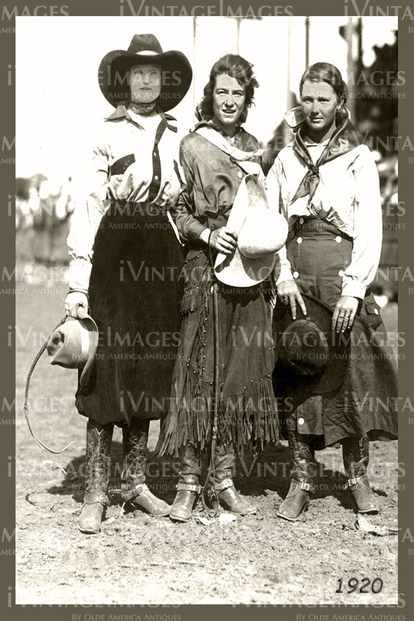 Rodeo Cowgirls Photo 1920 - 60