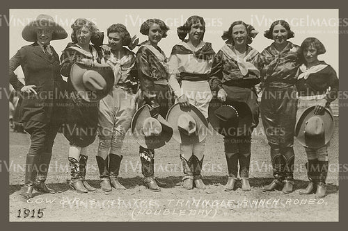 Rodeo Cowgirls Photo 1915 - 66