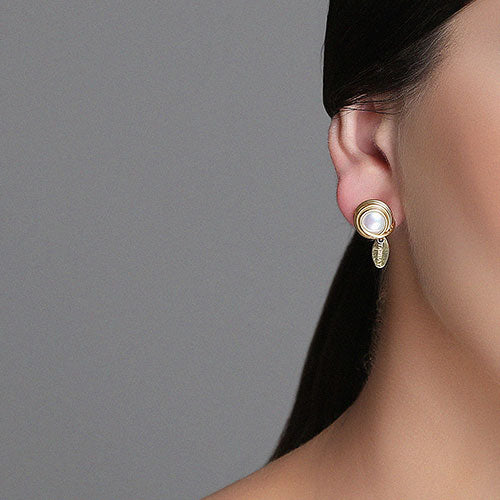 Carmencita Button Earrings (12mm) - Pearl & Yellow Gold - TARBAY